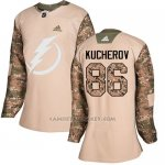 Camiseta Hockey Mujer Tampa Bay Lightning 86 Nikita Kucherov Camo Autentico 2017 Veterans Day Stitched