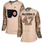 Camiseta Hockey Mujer Philadelphia Flyers 47 Andrew Macdonald Camo Autentico 2017 Veterans Day Stitched
