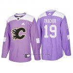 Camiseta Calgary Flames Matthew Tkachuk Hockey Fights Cancer Violeta
